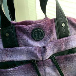 Lululemon gym/travel bag